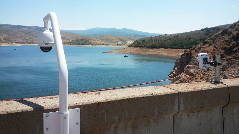 SpotterRF-Radar-with-Camera-at-Dam-1280x720-35pct